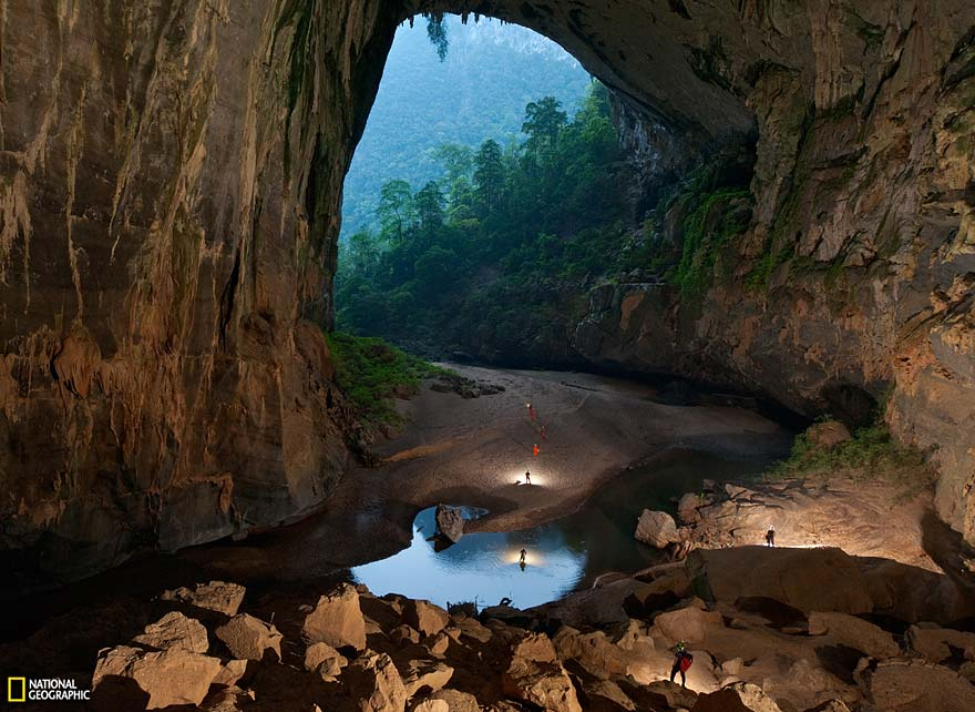 worlds-largest-cave-hang-son-doong-vietnam-1