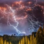 Fotograf zachytil sopečný výbuch v Čile