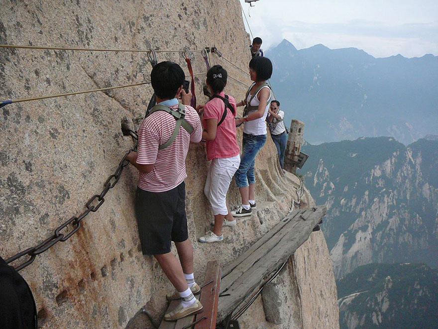 hiking-trail-huashan-mountain-china-9